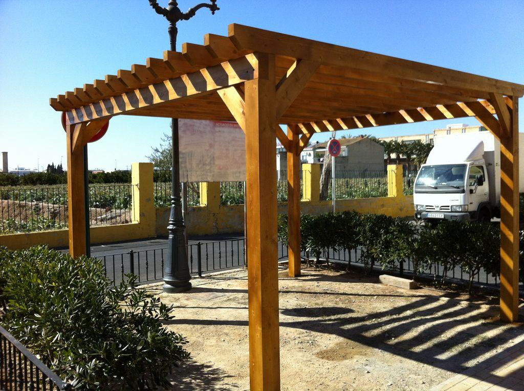 Pergolas de madera porches jard n - Pergolas de madera valencia ...